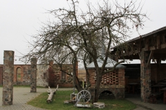 Mirskiy-zamok-Belorusia-dostoprimechatelnosti-foto-04-0038